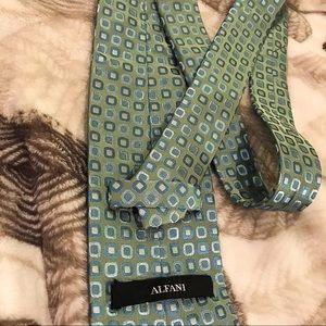 Alfani neck tie